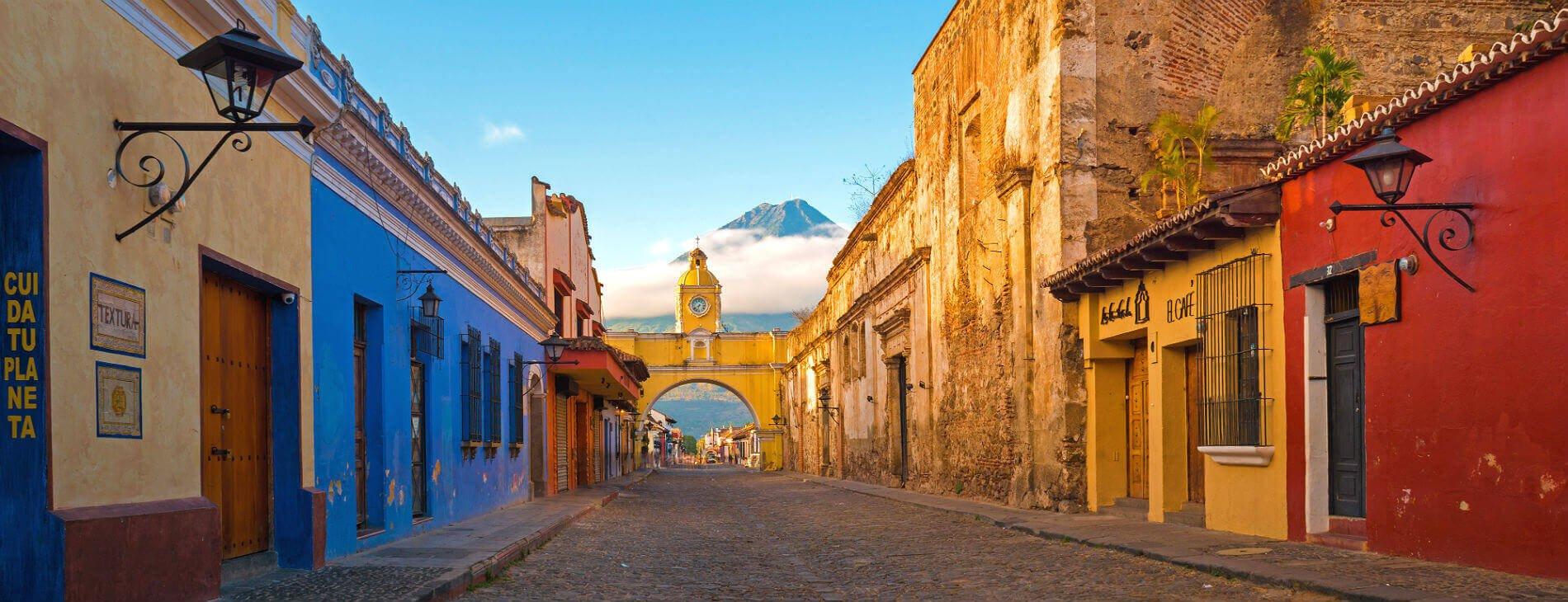 Mastroviaggiatore-guatemala-Antigua-strada
