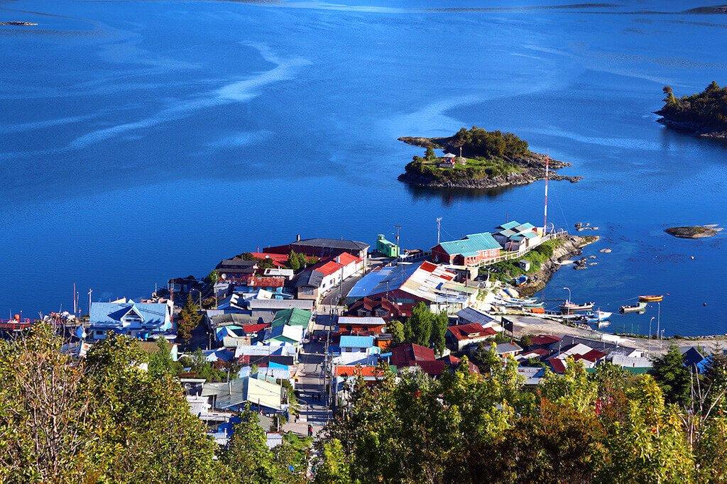 MastroViaggiatore-Patagonico-ruta-alacalufe-Puerto-Aguirre