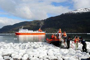MastroViaggiatore-Patagonico-ruta-alacalufe-sbarco-Glaciar-Amalia
