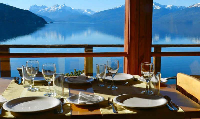 Mastro-patagonico-cile-carretera-terraluna-Terra_Luna_mesa-y-vista